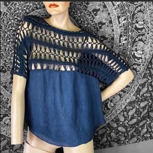 Vintage navy blue boho top 💙